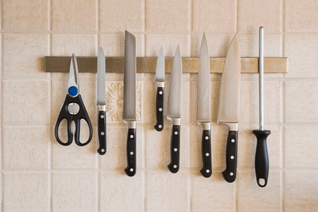 knife storage - magnetic strip